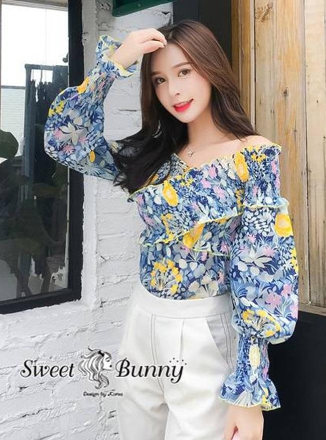 เสื้อแฟชั่น เสื้อลายดอกเกาหลี ผ้าคอตตอนเชิ้ตเนื้อดีผ้านุ่มพิมพ์ลายดอกไม้สีฟ้าทั้งตัว