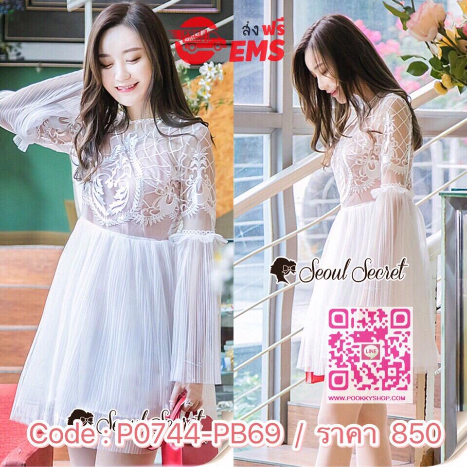Seoul Secret Say's... Lovely Pleatt Skirt-Sleeve White Dress Material : งานเดรสลุคสาวหวาน ทรงสวยดูหรูด้วยงานปักแต่งลายสไตล์คลาสสิคแต่งที่ช่วงอก งานสวยด้วยดีเทลแต่งด้วยงานอัดพลีทชายกระโปรงพริ้วสวย ชายแขนหรูหราด้วยทรงแขนกระดิ่ง มาพร้อมกับสายเดี่ยวซับใน