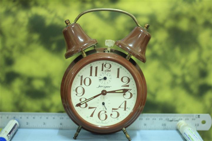 T0641 นาฬิกาปลุกเยอรมันโบราณ Jerger ส่ง EMS ฟรี
