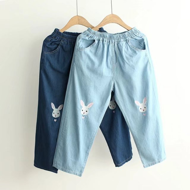กางเกงห้าส่วนผ้าฝ้ายเดนิม ปักลายน้องกระต่าย