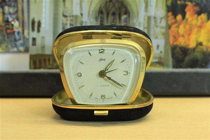 W_0146 นาฬิกาปลูกตลับ Schatz 7 jewels เดินดี ปลูกดี