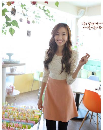 cherry koko*พร้อมส่ง* ชุดเดรสสั้นแฟชั่นเกาหลีผ้าลูกไม้สีเบจตัดต่อผ้า Cotton ช่วงกระโปรงมีซับในและซิปหลัง สีชมพูน่ารักมากค่ะ