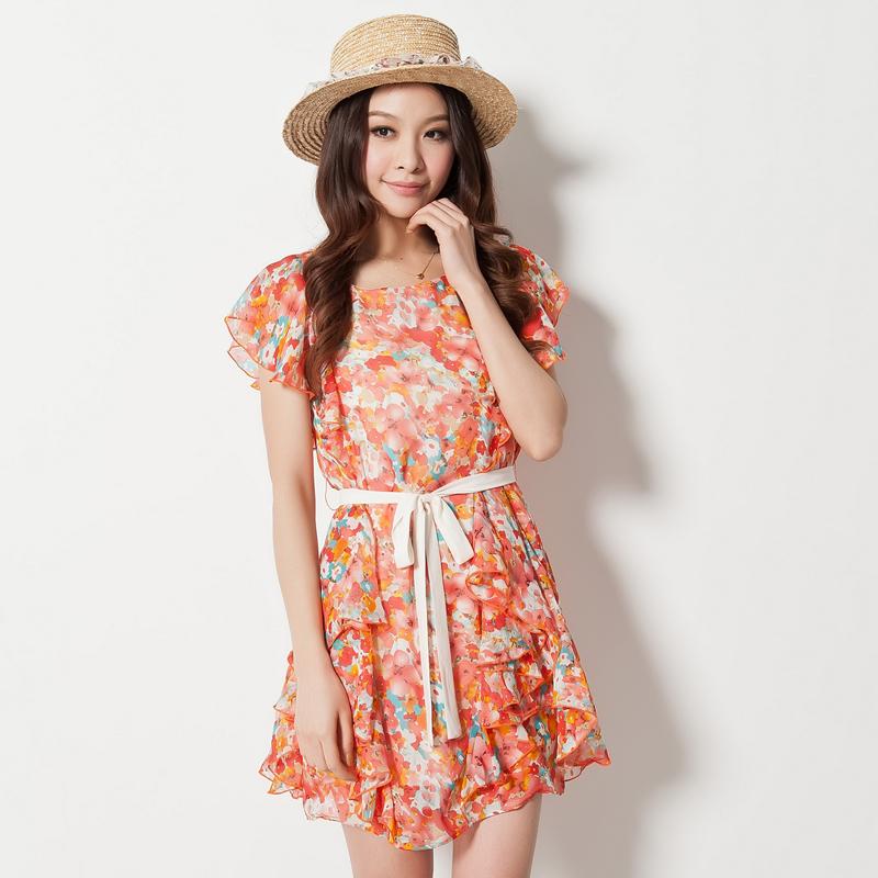 Lrosey *Pre-Order*เดรสเกาหลี ผ้าชีฟองไซส์ใหญ่ ลายดอกไม้โทนสีแดงส้มแต่งระบายด้านข้างมีผ้าผูกโบว์สีครีม