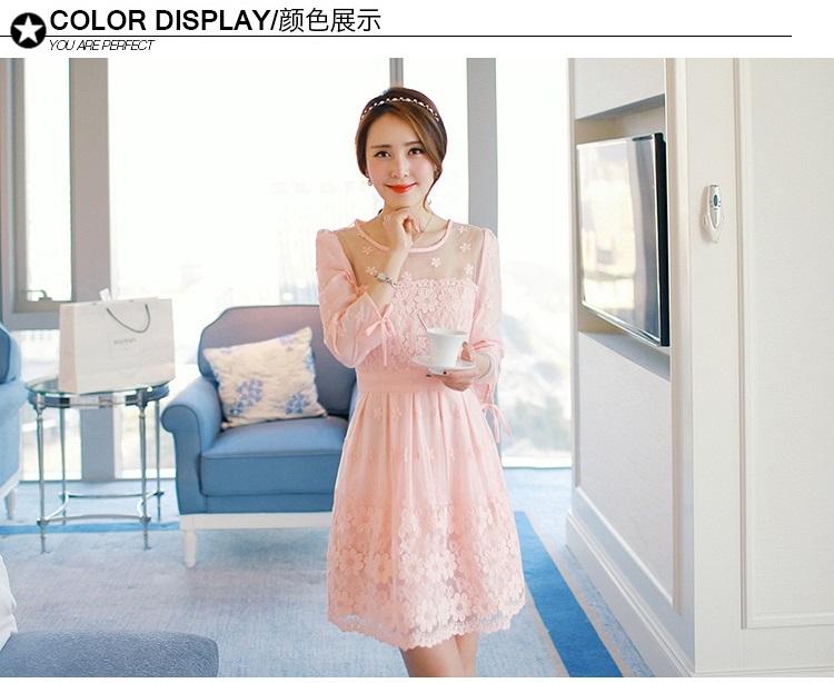 ชุดเดรสสวยๆ ผ้าไหมแก้ว organza ปักด้วยด้ายลายดอกไม้ สีชมพู สวยมากๆ
