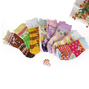 U037-21**พร้อมส่ง** (ปลีก+ส่ง) ถุงเท้า Q - House แฟชั่นเด็กเล็ก หญิง (1-3 ปี) มีกันลื่น เนื้อดี งานนำเข้า ( Made in China)