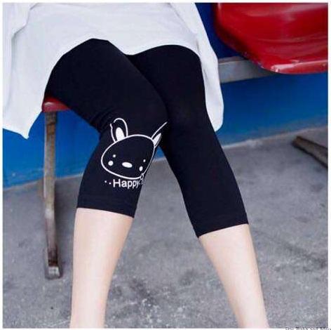 กางเกงเลคกิ้งขาสามส่วนลายกระต่าย (เข่า)