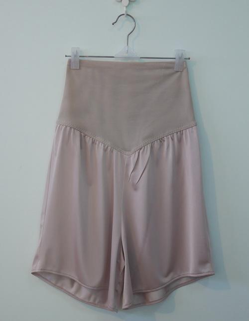 jp3703 กางเกงซับในผ้าไนลอนสีเนื้อเข้ม ขอบเอวผ้าตาข่ายทอแน่นกระชับหน้าท้อง รอบเอว 22-26 นิ้ว