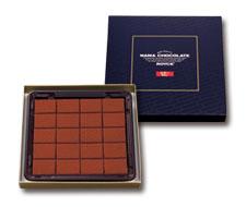 (xyz100)Royce Nama Chocolate Au Lait : กล่องสีน้ำเงินรสคลาสสิคหวานกลมกล่อม โรยด้วยผงช็อคโกแลตรสเข้ม กินไปตอนแรกจะขมนิดๆ แต่จะหวานในปากทานแล้วแทบจะละลายไปกับช๊อกโกแลตเลยค่ะ