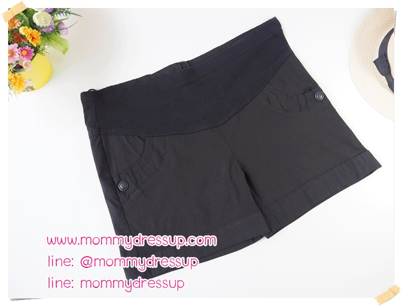 กางเกงขาสั้นสีดำ กระดุมเม็ดใหญ่ 1 เม็ด ผ้านิ่มใส่สบายค่ะ เอวปรับระดับได้