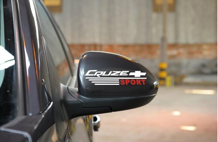 สติ๊กเกอร์ติดกระจกมองข้างรถ Cruze Sport (1Pack/2ชิ้น) สีขาว