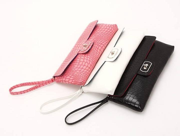 DOTS กระเป๋าคล้องแขน สีชมพู